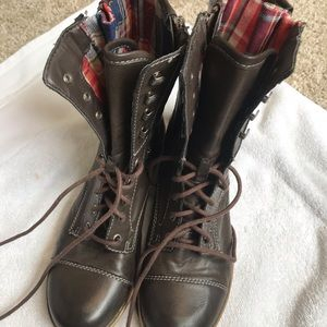 American ankle boots brown